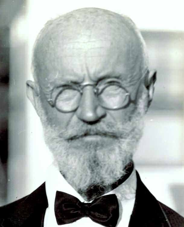 Carl Tanzler, the doctor of Maria Elena Milagro de Hoyos