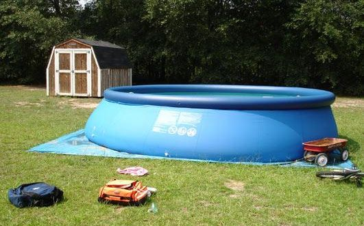 The pool where Adrianna drowned.
