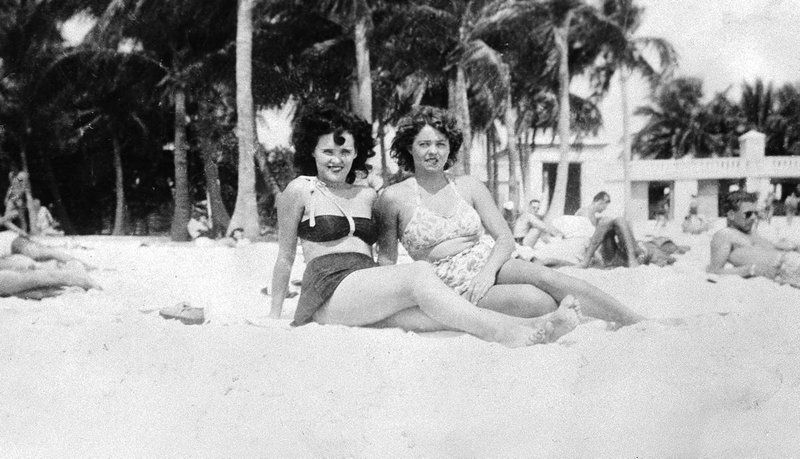 Black Dahlia aka. Elizabeth Short and friend Marge Dyer relaxing on the beach