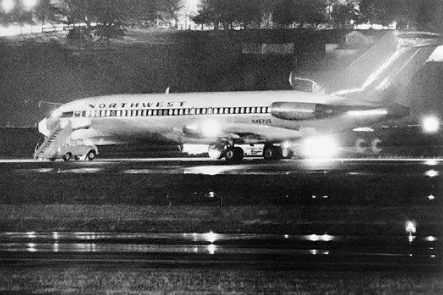 Boeing 727-100: The airpalen D. B. Cooper hijacked