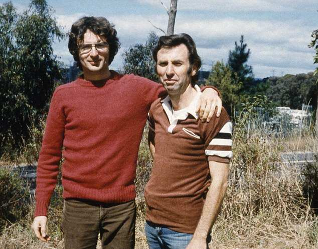 david koresh and the branch davidians Waco, texas (kxan) tuesday marks the 23 anniversary of the 51-day siege of the branch davidian compound east of waco this 1998 file photo shows branch davidian leader david koresh.