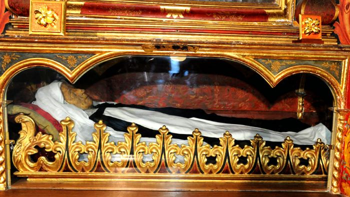 The preserved remains of Mary of Jesus de León y Delgado