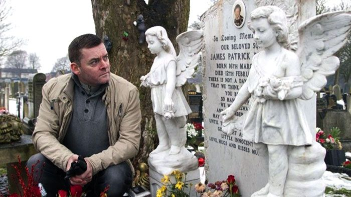Ralph Bulger and Jamie Bulger's tombstone.