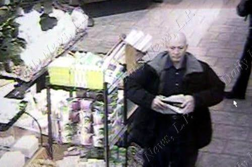 Robert Durst caught stealing a sandwich CCTV.