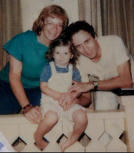 Ted Bundy with wife Carole & daughter Rose